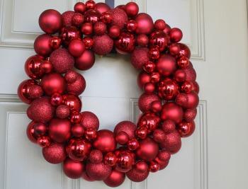 Easy Ornament Wreath DIY Tutorial