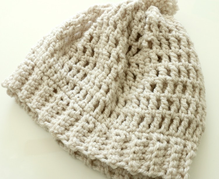 2cf13616428 Easy slouchy crochet beanie tutorial with bulky yarn and great for ...