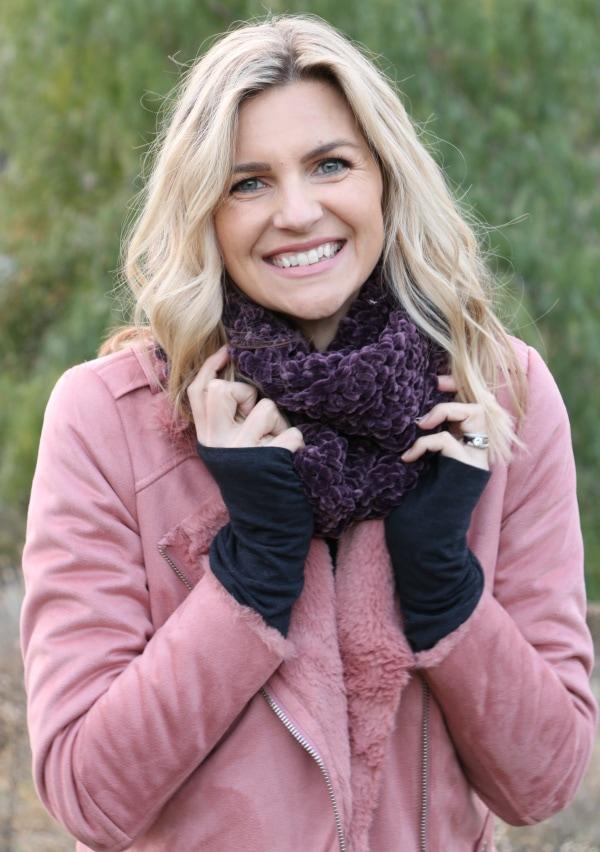 Easy Velvet Crochet Infinity Scarf Tutorial - Melanie Ham