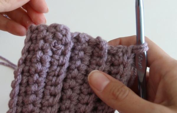begin crochet mitten body
