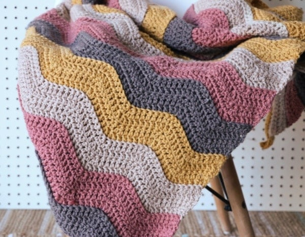 Crochet Ripple Blanket Pattern and Video Tutorial