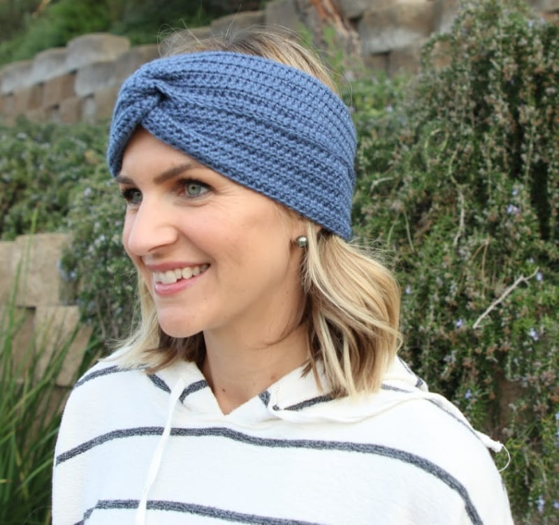 simple crochet headband side view